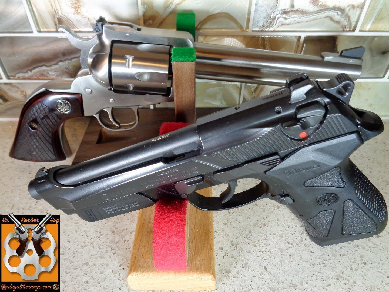 DEFENSIVE SHOOTING CHALLENGE — S&W MODEL 64 VS RUGER SERVICE SIX 4