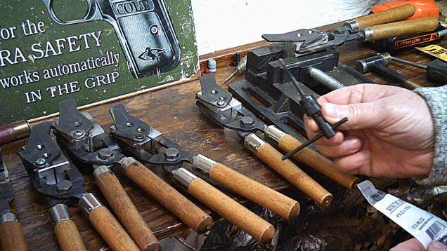 Installing set screws on Lee molds